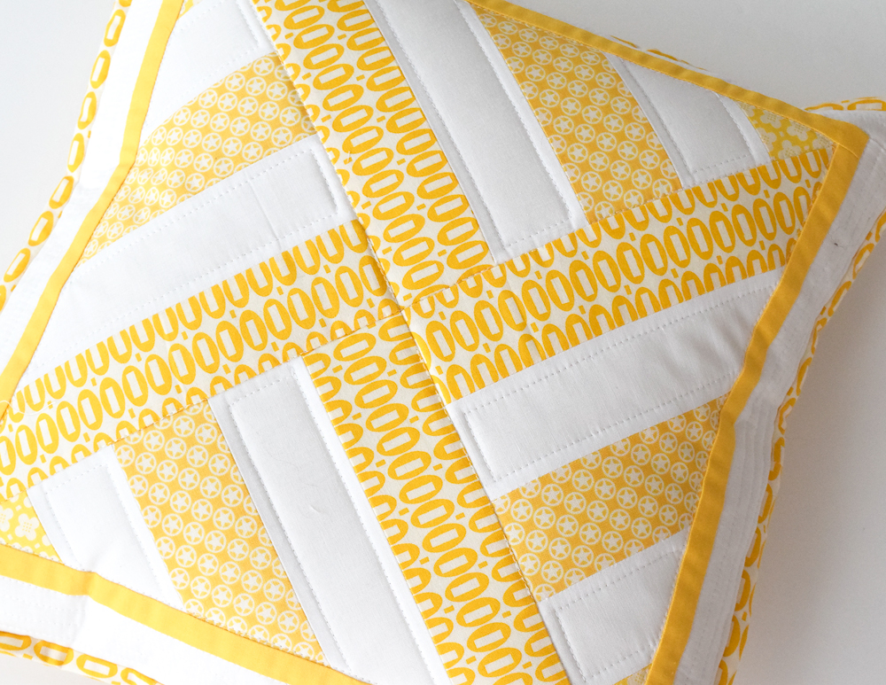 SheQuiltsALot-Geometric-Pillow